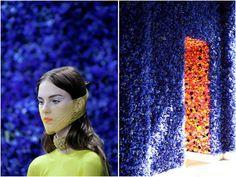 투덜라이프 - 꽃으로 뒤덮힌 크리스챤 디올의 2012 가을 패션쇼장