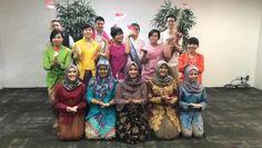 "662 Likes, 16 Comments - Sutrisno Yao (@susuputih) on Instagram: ""Unity in Diversity ala Vivere!  #LantaiMezzanine #indONEsiaKayaBudaya #VIVEREBanggaIndonesia…"""