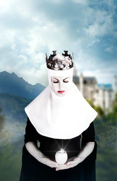 Snow White Queen. With white Apple