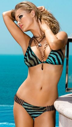 .love this bathing suit!