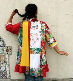 Reservados para Janice, no comprar su artículo. Coloridas flores folk patchwork romántico bordado vestido de túnica. Hecho de reciclado, utilizadas vestidos y otras prendas de vestir. Estilo de jardín romántico de la primavera. Rehecho, reutilizado, reciclado. Diseño único. Estilo del boho hippie. Alma de gitana arte. Uno de los tipos. Tamaño: 1 X (europeo 44-46) Busto de línea máximo 50 pulgadas (128 cm) Caderas de línea máximo 54 pulgadas (137 cm) Longitud es diferente por: aproximadamente…