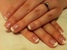 Brush up and Polish up!: CND Shellac - French Manicure with a twist.