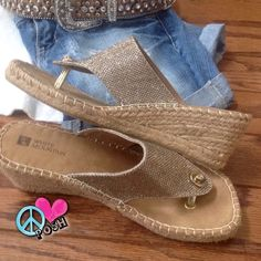 ✨ White Mountain Gold Wedges ✨ ✨ White Mountain Gold Wedge Sandals  ✨  Size 7 ✨ Gold Tone Sparkles with Natural Fiber 2' Wedged Heel ✨ Good, Clean Gently Preloved Condition ( No Signs of Wear ) ✨   NO TRADE   ☮ Priced Accordingly ☮ White Mountain Shoes Wedges