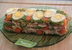 Recipe - Chicken terrine in jelly - by Amandine W., Recipe - Chicken terrine in jelly - by Amandine W. Chicken Terrine, French Food At Home, Charcuterie, Food Presentation, Chicken Recipes, Recipe Chicken, Entrees, Main Dishes, Cooking Recipes