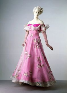 Schiaparelli, 1953, Victoria and Albert Museum.