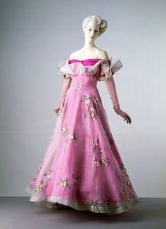 Schiaparelli, 1953, Victoria and Albert Museum.