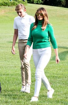 First Lady Melania Trump made an appearance in a Delpozo midi dress on Sunday, August 20 — see more of her most stylish looks here Donald Trump Family, Donald And Melania Trump, First Lady Melania Trump, Classy Outfits, Casual Outfits, Milania Trump Style, Melina Trump, First Ladies, Look Fashion