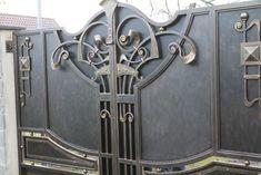Grill Gate Design, Iron Gate Design, Wrought Iron Gates, Shutter Doors, Iron Work, Welding Art, Hand Engraving, Vinyl Figures, Metal Art