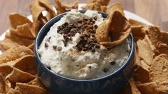 This Cannoli Dip Is Our Favorite Way To Eat The Classic Dessert