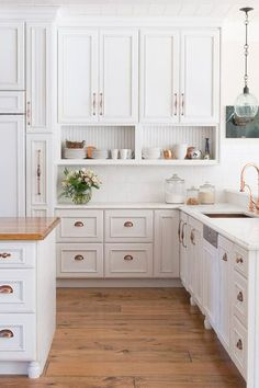 The One Trick for an Infinitely Prettier Kitchen via @PureWow