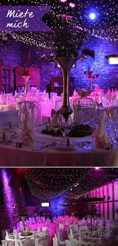 Unser Hochzeitsdeko-Beispiel mit toller Beleuchtung und einem Himmel aus kleinen Lichterketter. Tischdekoration von Weddstyle mit großen Vasen aus Alu und Vogelkäfige. http://www.weddstyle.de/hochzeit-vasen-mieten.html