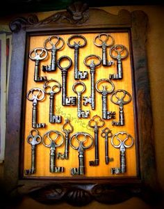 cuadro con llaves antiguas Feria desembalaje de antigüedades 2013 BEC