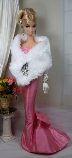 Our wooden barbie dolls house collection has a range of different varieties and dimensions, our wood plush animals houses are divinely illustrated thoroughly. Barbie Gowns, Barbie Dress, Barbie Clothes, Fashion Royalty Dolls, Fashion Dolls, Beanie Babies, Barbie Patterns, Vintage Barbie Dolls, Barbie Collector