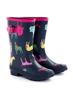 Perfect for splashing in puddles, the Joules collection of girls' rain boots feature bold prints and designs. Cute Rain Boots, Girls Rain Boots, Rubber Rain Boots, Joules Girls, Joules Uk, Wellington Boot, Girl House, Cute Outfits For Kids, Little Girls