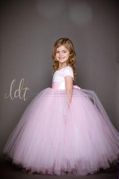 Nuevo El vestido de Sofía con cortocircuito mangas en rosa
