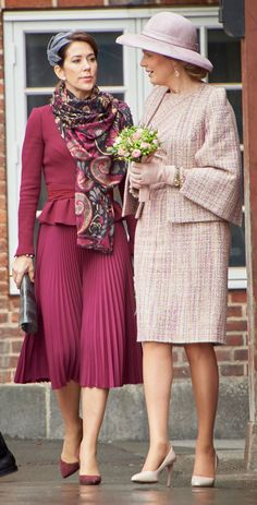 2016 - Queen Mathilde and Crown Princess Mary Princesa Mary, Simple Dresses, Short Dresses, Mary Donaldson, Princess Marie Of Denmark, Corporate Wear, Queen Outfit, Royal Clothing, Royal Dresses
