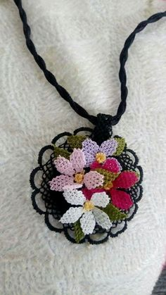 Needle Lace Jewelry Models in Fascinating Elegance - Schmuck Selber Machen Lace Jewelry, Jewelry Model, Knit Shoes, Needle Lace, Diy Schmuck, Crochet Accessories, Crochet Projects, Needlework, Diy And Crafts