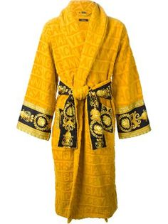 Shop our selection of designer loungewear for men at Farfetch, delivering to over 190 countries worldwide. Versace Fashion, Versace Men, Versace Bathrobe, Versace Hoodie, Chic Outfits, Fashion Outfits, Cheap Gowns, Swagg, Bathing Suits
