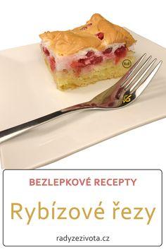 Bezlepkové rybízové řezy podle rodinného receptu ze Slovenska jsou ideální moučník pro letní sezonu, kdy je všude spousta ovoce. Lehké piškotové těsto a nádivka ze sněhu a ovoce dodají tomuto moučníku zajímavý nádech a strukturu. Vyzkoušejte ho a nebudete litovat! #rybízové #řezy #video #buchta #bezlepkové #recepty #recept #glutenfree #recipe #recipes #sweet Gluten Free Recipes, Free Food, Ethnic Recipes, Diet