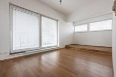 Realty Slovakia | Трехкомнатная квартира снять Братислава Koliba Windows, Ramen, Window
