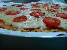 Pizza de couve-flor! Isso mesmo que você leu: COUVE-FLOR! Receita deliciosa e incrível, completinha em http://gordelicias.biz.