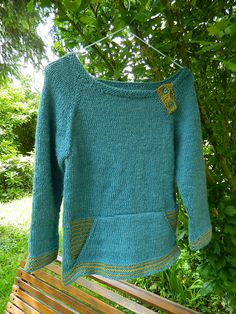 Ravelry: Project Gallery for Colorblock pattern by Karen Borrel