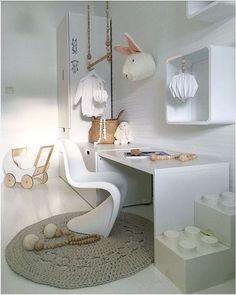 Bekijk en koop deze producten op Shopinstijl.nl -kinderbureau van IKEA stuva met panton juniorstoel