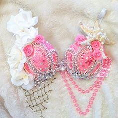 Neon Pink Mermaid Rave Bra by TheLoveShackk on Etsy Mermaid Bra, Mermaid Outfit, Bedazzled Bra, Decorated Bras, Rave Costumes, Halloween Costumes, Burlesque Costumes, Halloween Ideas, Diy Bra