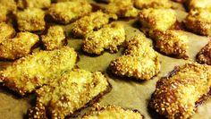 Hühnchen-Nuggets mit Sesam und Kokos - knusprig und würzig aus dem Ofen. Perfekt auch als Snack für den nächsten Tag.