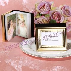 "Beterwedding lembranças atacado XC006 / B "" Little Book of Memories Gold Edition "" Mini álbum de fotos presentes   http://pt.aliexpress.com/store/product/60pcs-Black-Damask-Flourish-Turquoise-Tapestry-Favor-Boxes-BETER-TH013-http-shop72795737-taobao-com/926099_1226860165.html   #presentesdecasamento #festa #presentesdopartido #amor #caixadedoces     #noiva #damasdehonra #presentenupcial #Casamento"