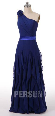 8d224ec6fff19 robe de soirée bleu asymétrique orné de fleur jupe à volants