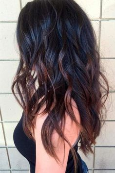 This article contains the best brown ombre hair ideas. These hair color ideas are very elegant, soft, and warm. They are ideal for any hair type. Brown Hair Shades, Brown Hair Colors, Chocolate Brown Hair, Castaño Chocolate, Long Layered Haircuts, Layered Hairstyles, Ombre Hair Color, Red Ombre, Dark Ombre Hair