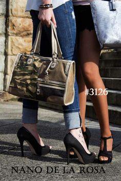 Al más puro #stylo #militar combinación de rabiosa actualidad, si eres de las que te gusta los last #fashion #styles  , quizás esta propuesta  #3129  #nanodelarosa te llegue a enganchar como si de droga se tratara. #tatoo#fashionstrreetview#nosvemosenlastiendas#comolavidamisma by#nanodelarosa#rossettidifussion#rossettibags#moda#fashionstreetview. Los tienes disponibles en :#Thebackpack#outletgacela#bolsosgacela#bolsosazkona#rossettiborse