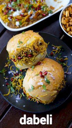 Puri Recipes, Veg Recipes, Spicy Recipes, Cooking Recipes, Vegetarian Fast Food, Comida Diy, Chaat Recipe, Indian Dessert Recipes, Foodblogger