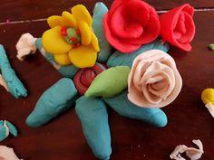 5hugs: Kneten mit Kleinkindern  (inkl. Rezept) Sugar, Cookies, Rose, Desserts, Flowers, Art, Play Dough, Creative, Children