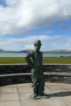Charlie Chaplin in Waterville Co. Charlie Chaplin, Luxury Holidays, Renting A House, Kayaking, Statue Of Liberty, Ireland, Cottage, Homes, Vacation