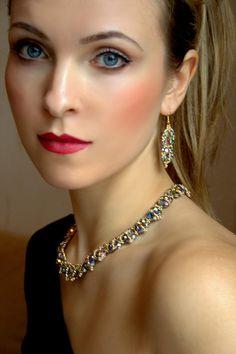 Emerald Jewelry Set Victorian Jewelry Gold Green Gold Bridal Emerald Jewelry, Gold Jewelry, Jewelry Accessories, Handmade Jewelry, Unique Jewelry, Victorian Jewelry, Brilliant Diamond, Green And Gold, Crystal Beads