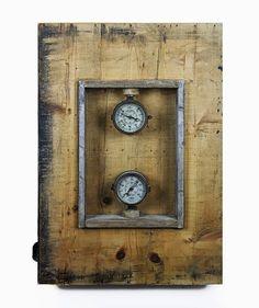 Manometer Epochal - Meter of Age - Maurizio Di Feo -  1930/2015 - Dimensioni: 56 x 80 x 14 cm Materiali: Ottone-Legno  #mauriziodifeo #artistaitaliano #milanoarte #art #contemporaryart #mixedmediapainting #assemblageart
