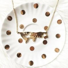 Map necklace Cute small map necklace NWT retail Hwl boutique Jewelry Necklaces