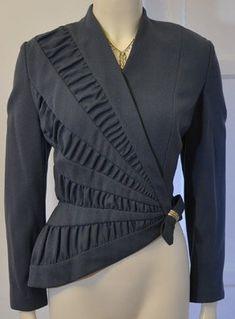 The Tailor's Desire: Photo Arab Fashion, 3d Fashion, Fashion Details, African Fashion, Fashion Dresses, Fashion Design, Moda Peru, Myanmar Dress Design, Geometric Fashion