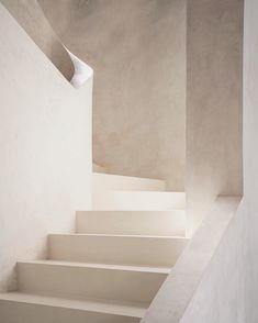 Minimalist staircase solutions design / I've noted a general growth of interest in minimalist interior design recent years. So I would like to share some samples of modern construction solutions of contemporary staircase design / Darya Girina Minimalist Architecture, Facade Architecture, Minimalist Interior, Fashion Architecture, Creative Architecture, Modern Interior, Motion Design, Beige Aesthetic, Architectural Section