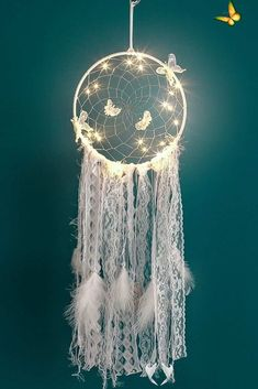 LED Lighting Dream Catcher Girls Dreamlike Feather Bedroom Romantic Dreamcatcher | Wish Sweet dreams 🌟 are made of these LED dreamcatchers.<br> Dream Catcher Decor, Dream Catcher Nursery, Large Dream Catcher, Dream Catcher Boho, Dream Catcher Supplies, Doily Dream Catchers, Beautiful Dream Catchers, Feather Dream Catcher, Diy Tumblr