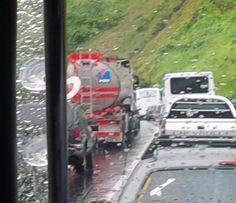 Reportan fuerte retraso vehicular en la #AGMA por lluvias - http://www.notiexpresscolor.com/2016/10/13/reportan-fuerte-retraso-vehicular-en-la-agma-por-lluvias/