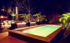 Uma townhouse no coração de Lisboa | Mutante Magazine Luxury, Outdoor Decor, Home, Warm Colors, Lisbon, Entryway, Houses, Pools, Ad Home