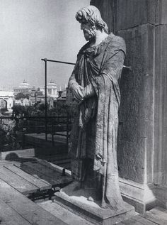 Dace in pavonazzetto dal Foro di Traiano sull'arco di Costantino Romania, Rome, Greek, Statue, Antiques, Arch, Antiquities, Antique, Greek Language