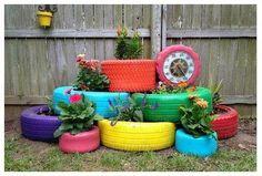 ... decorar ambientes, para uso em jardins, e até lindos móveis elaborados à partir de pneus velhos, fugindo da mesmice do velho balanço feito com pneus.