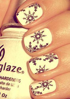 The most stylish snowflake nails