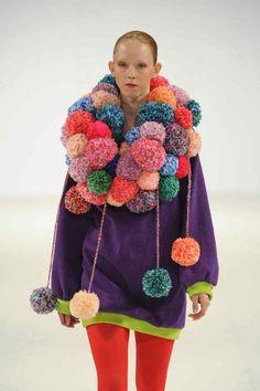 Hannah Rebecca Brown My work at Graduate Fashion Week 2013 :) Pom Pom Crafts, Yarn Crafts, Textiles, Rebecca Brown, Knit Crochet, Crochet Hats, Diy Sac, Diy Vetement, Passementerie
