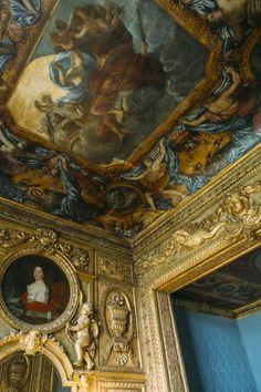 Louis Xiv, Beautiful Ceiling Designs, France Love, Ile Saint Louis, Paris Ville, French Chateau, Royal Palace, Grand Hotel, City Lights
