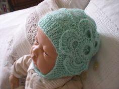 bonnet casque pour bébé fille tricot main : Mode Bébé par nany-made
